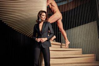 Одетые женщины и обнаженные мужчины в промокампании Suistudio