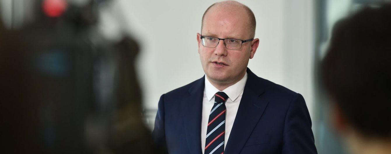 """""""Суперечить нашій зовнішній політиці"""": прем'єр Чехії розкритикував пропозицію Земана """"продати"""" Крим"""