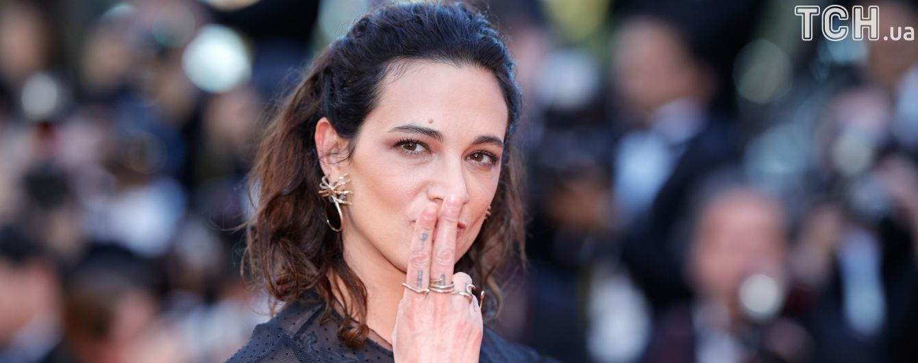 Не едиными домогательствами: Итальянская актриса обвинила Вайнштейна в изнасиловании