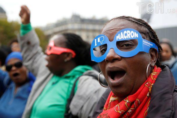 Милиция применила слезоточивый газ для разгона демонстрантов встолице франции