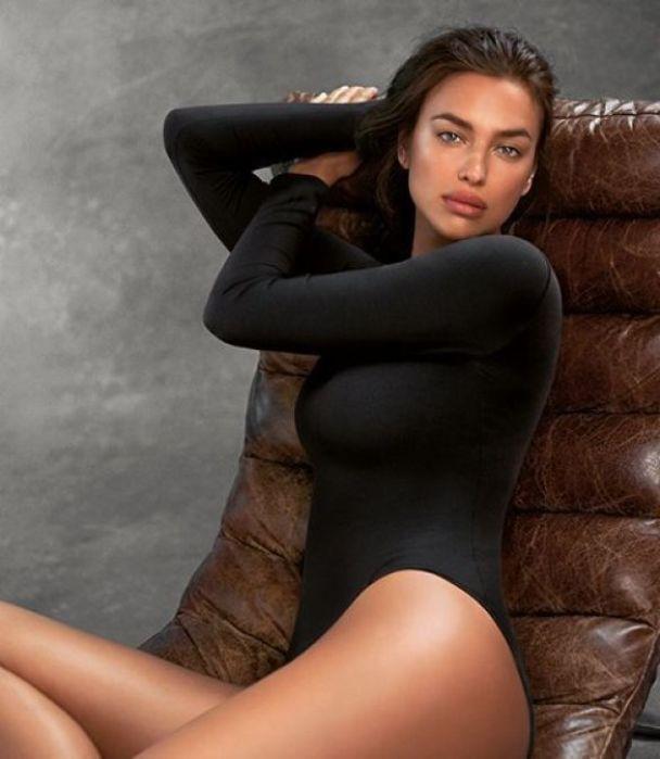 Сексапільна Ірина Шейк у спідньому показала розкішну фігуру