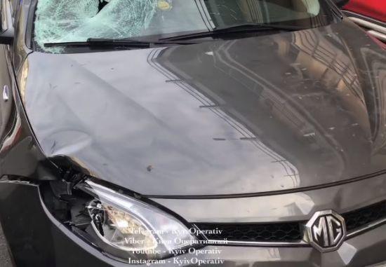 У Києві на Оболоні іномарка на смерть збила дівчину на пішохідному переході