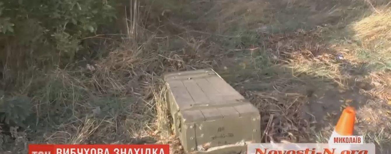 В Николаеве военные потеряли на трассе ящик со снарядами