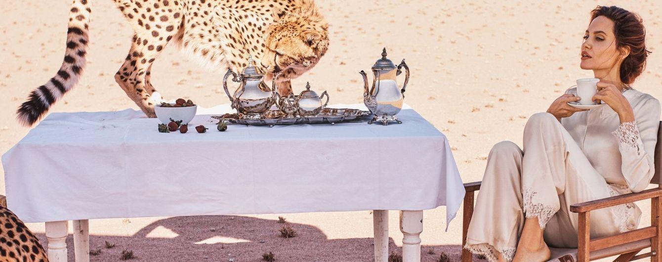 Смелая Джоли позировала для глянца в окружении гепардов