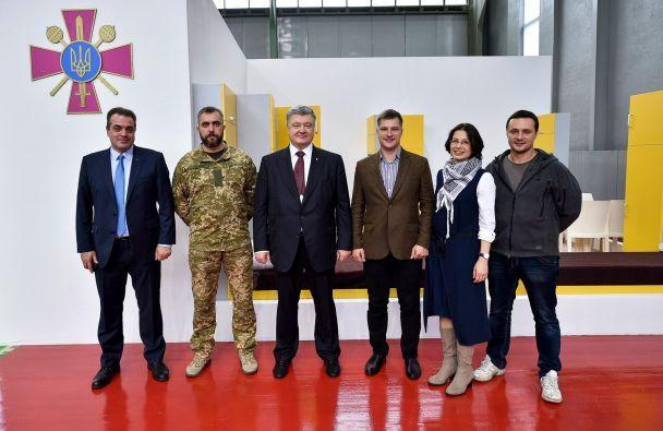 Армия заявила о строительстве жилья для 22 тысяч контрактников за конфискованные деньги Януковича