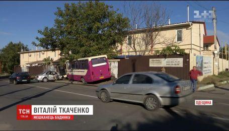 На Одещині зіткнулися легковик та маршрутка, є постраждалі