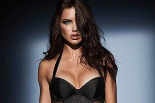 """Сексуальные """"ангелы"""" представили бельевые новинки от Victoria's Secret"""