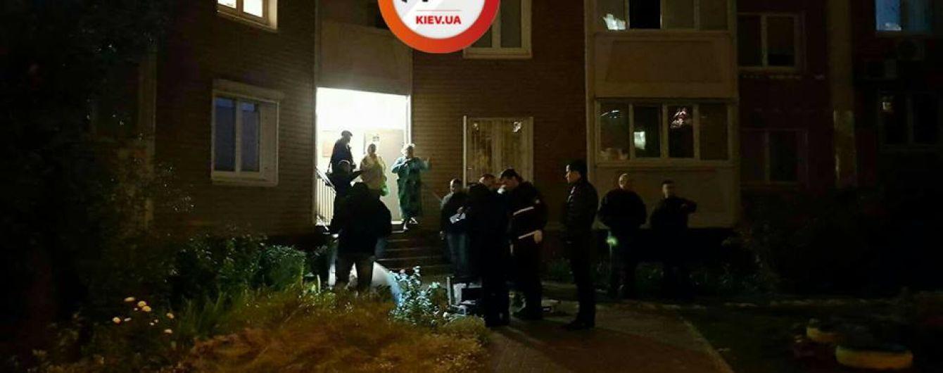 В Киеве мужчина выпал с 16-го этажа