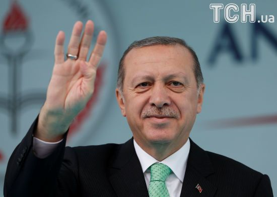 Ердоган зустрівся зі звільненими Умеровим і Чийгозом
