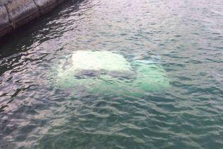 В Одессе у побережья нашли затонувший автомобиль с мертвым мужчиной