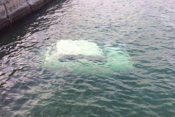 ВОдессе отыскали затонувший автомобиль стелом внутри— Смерть вморе