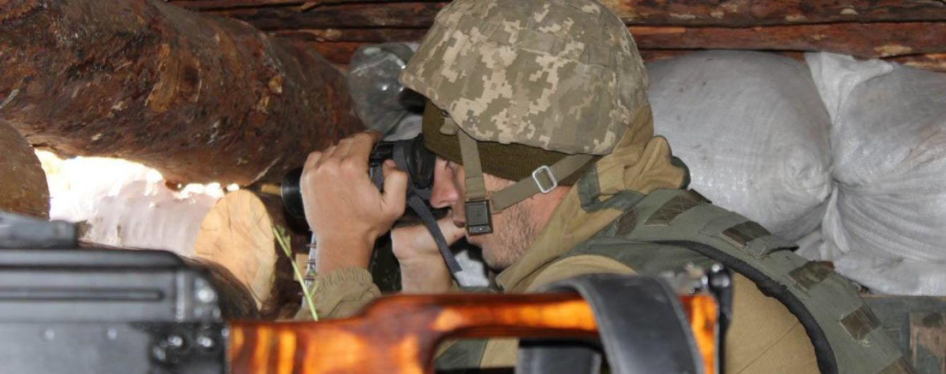 С наступлением сумерек боевики накрыли плотным огнем на всех направлениях на Донбассе. Хроника АТО