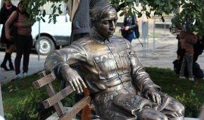 Під час відкриття пам'ятника Петлюрі у Вінниці влаштували стрілянину