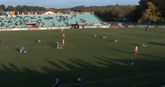 Боснійські футболісти влаштували сидячий протест під час матчу національного чемпіонату