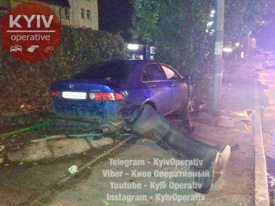 22-річний п'яний водій під час втечі від патрульних вчинив подвійне ДТП у Києві