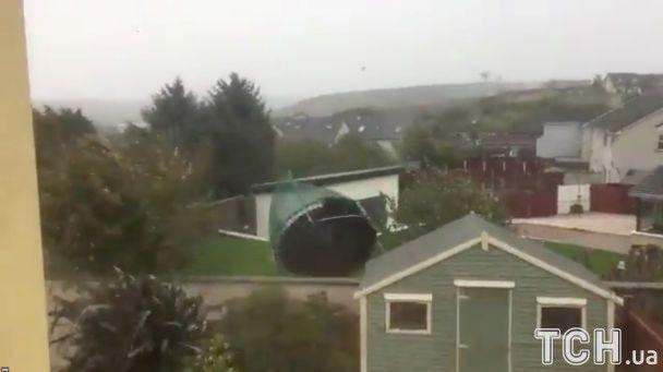 В Ірландії через ураган «Офелія» загинули дві людини