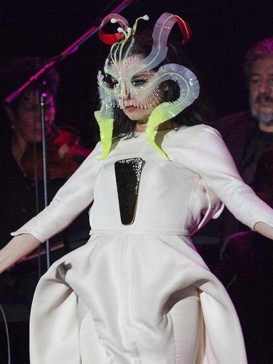 Співачка Бйорк розповіла про сексуальні домагання з боку Ларса фон Трієра