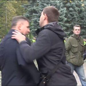 Поліція не буде розслідувати напад Парасюка на Гелетея - голова Нацполіції
