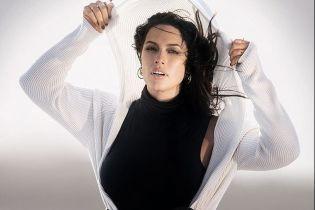 Модель plus-size Ешлі Грем у спідньому розповіла, що її пастор стежить за нею у фотоблозі