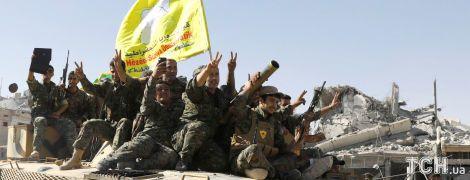 """Курды и союзники выбили """"Исламское государство"""" из его """"столицы"""""""