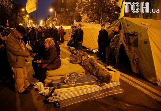 Протест триває: прихильники Саакашвілі вирішили залишитися у наметах під Верховною Радою