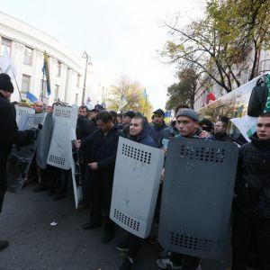 Во время митинга под Верховной Радой ограбили нацгвардейцев - Князев