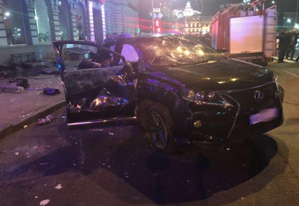 """У Харкові водій на """"Lexus"""" в'їхав у натовп людей, 5 загиблих"""