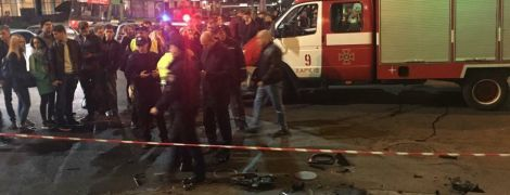 Толпа зевак и красная лента: как выглядит место ужасного ДТП в Харькове