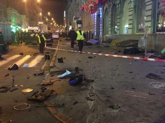 Побиті ребра, легені та ноги: перша інформація про стан постраждалих у ДТП в Харкові