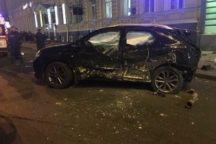 Подробиці жахливої ДТП у Харкові: жінка за кермом Lexus пролетіла на червоний сигнал світлофора