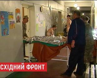 Трое украинских бойцов получили ранения на востоке Украины