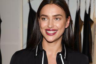 У мереживному спідньому і з яскравою помадою на губах: Ірина Шейк постала в ефектному образі