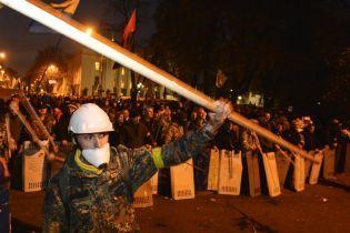 Депутаты придут в Раду только в ноябре, но активисты не расходятся