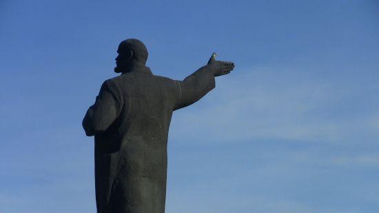 Зворотній відлік розпочато: у Польщі за рік мають знести всі комуністичні пам'ятники