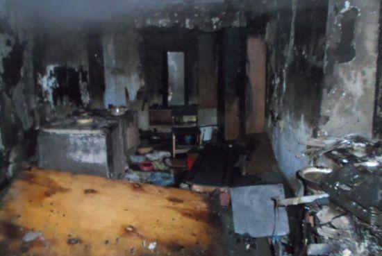 """Підпалила ковдру, щоб розбудити: на Одещині п'яна жінка """"пожартувала"""" над сусідом"""