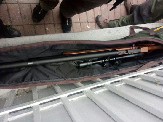 Поліція затримала чоловіка з гвинтівкою, який прямував на акцію під Радою