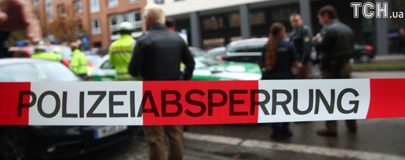 У Німеччині автомобіль протаранив натовп