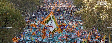 """Испания решила """"заморозить"""" автономию Каталонии и отстранить от власти все руководство"""