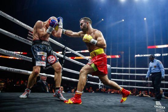 Ухиляння і короткі удари: Гассієв показав, як готується до фіналу WBSS з Усиком