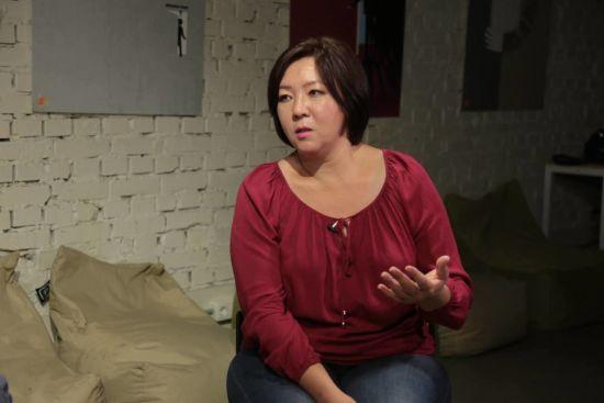 Києво-Святошинський суд заарештував журналістку, яка втекла з Казахстану через переслідування