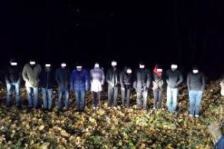 На Сумщине задержали 12 незаконных мигрантов при попытке пересечь границу со стороны России