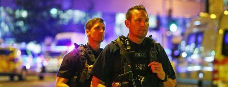 Британская полиция взяла штурмом развлекательный центр, где вооруженный мужчина захватил заложников