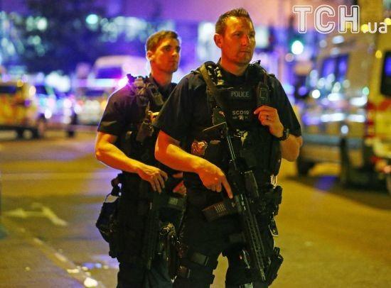 Британська поліція взяла штурмом розважальний центр, де озброєний чоловік захопив заручників