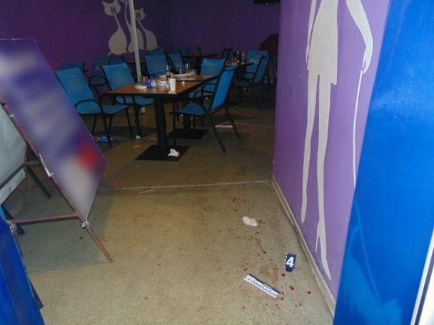 У Києві чоловік напідпитку порізав у кафе іноземця