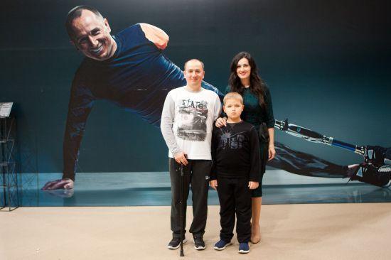 """Луцьк вразив найбільшою виставкою """"Переможці-2"""", яку відкрили Соломія Вітвіцька, ветерани АТО та Арсен Мірзоян"""