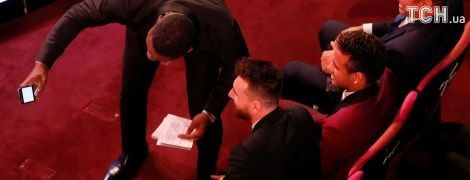 Голлівудський актор зробив селфі з Роналду, Мессі та Неймаром просто під час ведення церемонії ФІФА