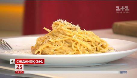 Шеф-повар Марко Черветти приготовил настоящую итальянскую карбонара в прямом эфире