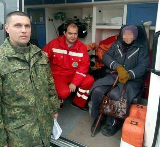 На Луганщині 74-річну пенсіонерку вмовили не стрибати з мосту