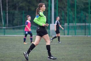 С ней футбол становится жарче. Что постит в Instagram очаровательная польская рефери