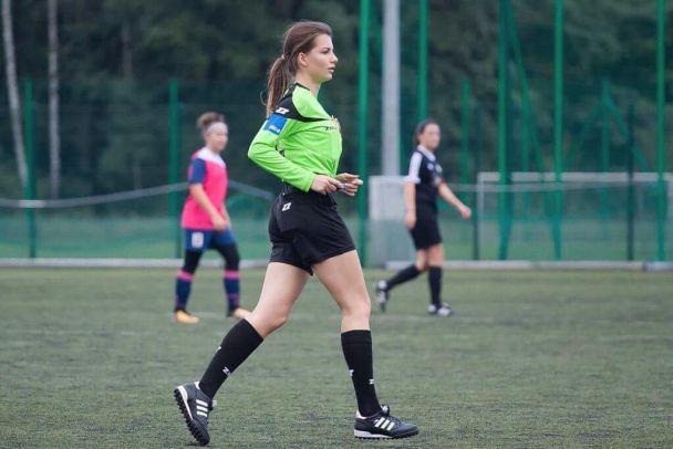 З нею футбол стає гарячішим. Що постить в Instagram чарівна польська рефері